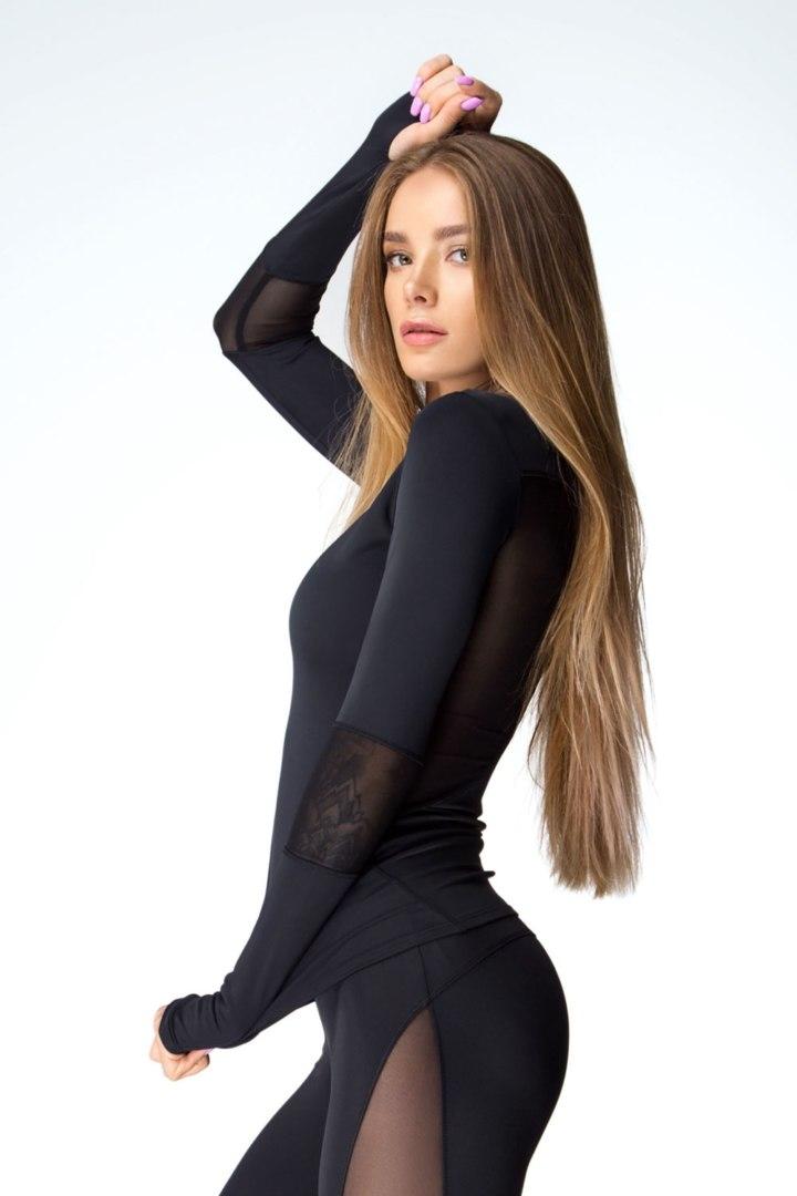 Спортивный женский рашгард Basic Black
