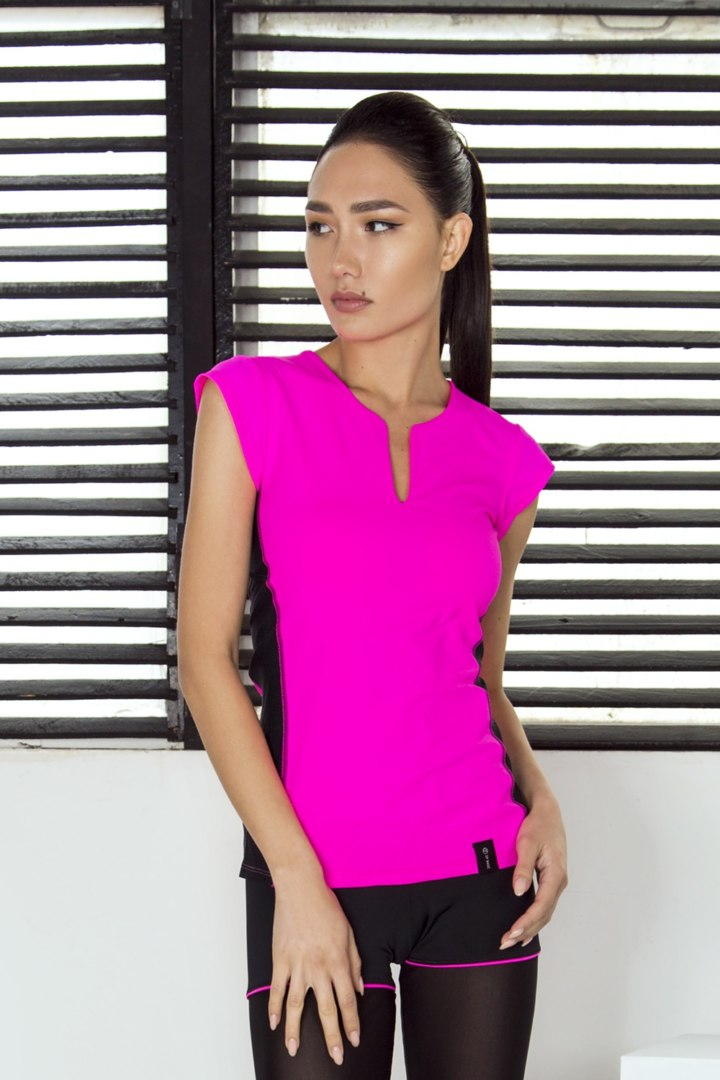 Спортивная футболка Pink