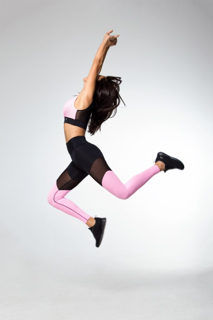 Женский комплект для фитнеса (леггинсы и топ)