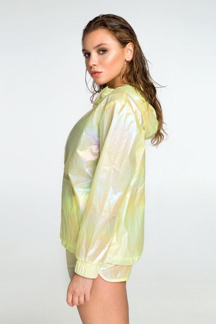 Спортивная курточка, ветровка для тенниса