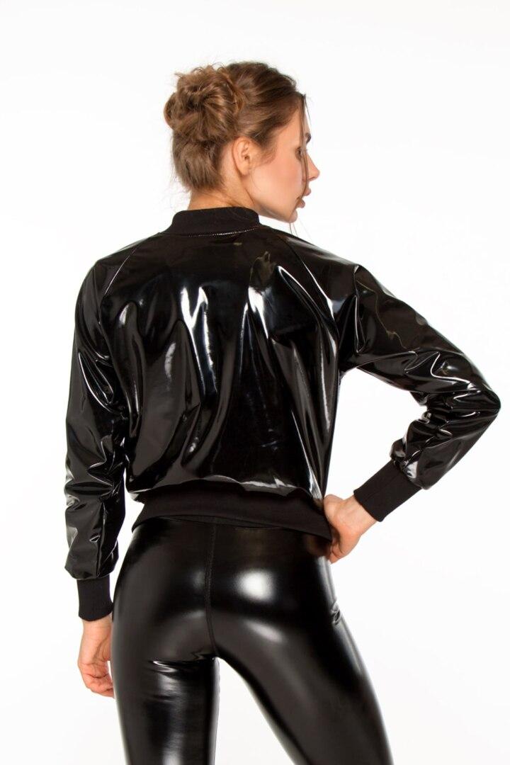 Женская курточка, бомбер