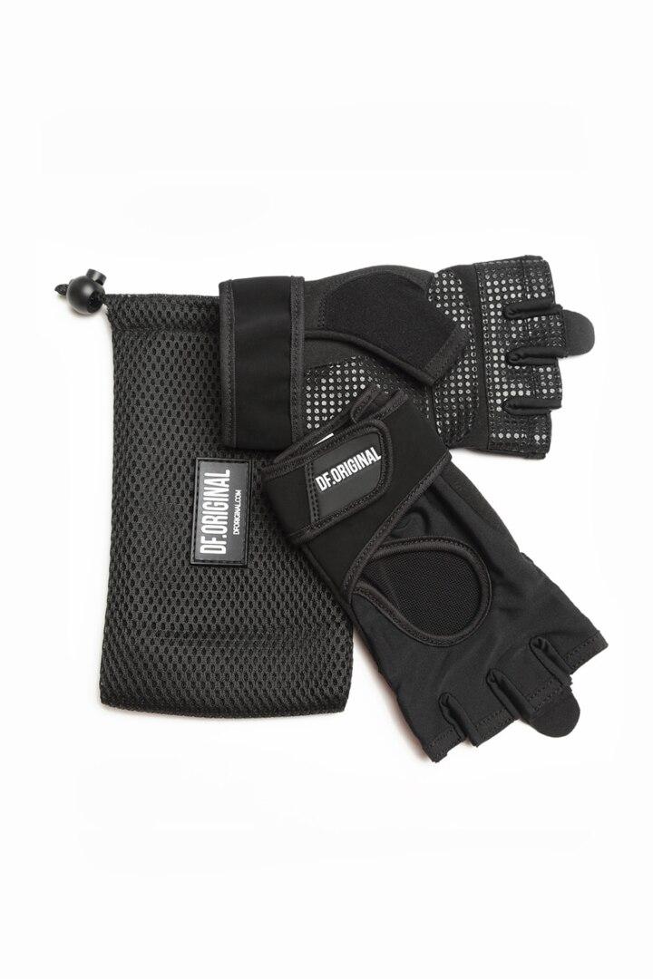 Перчатки для тренировок практичные удобные