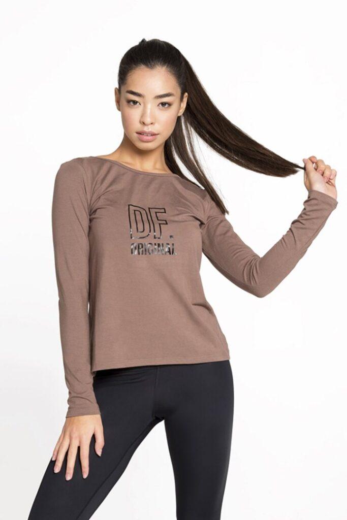 женский спортивный пуловер