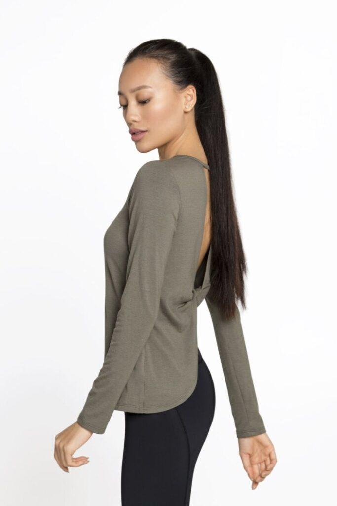 спортивный пуловер приталенный крой