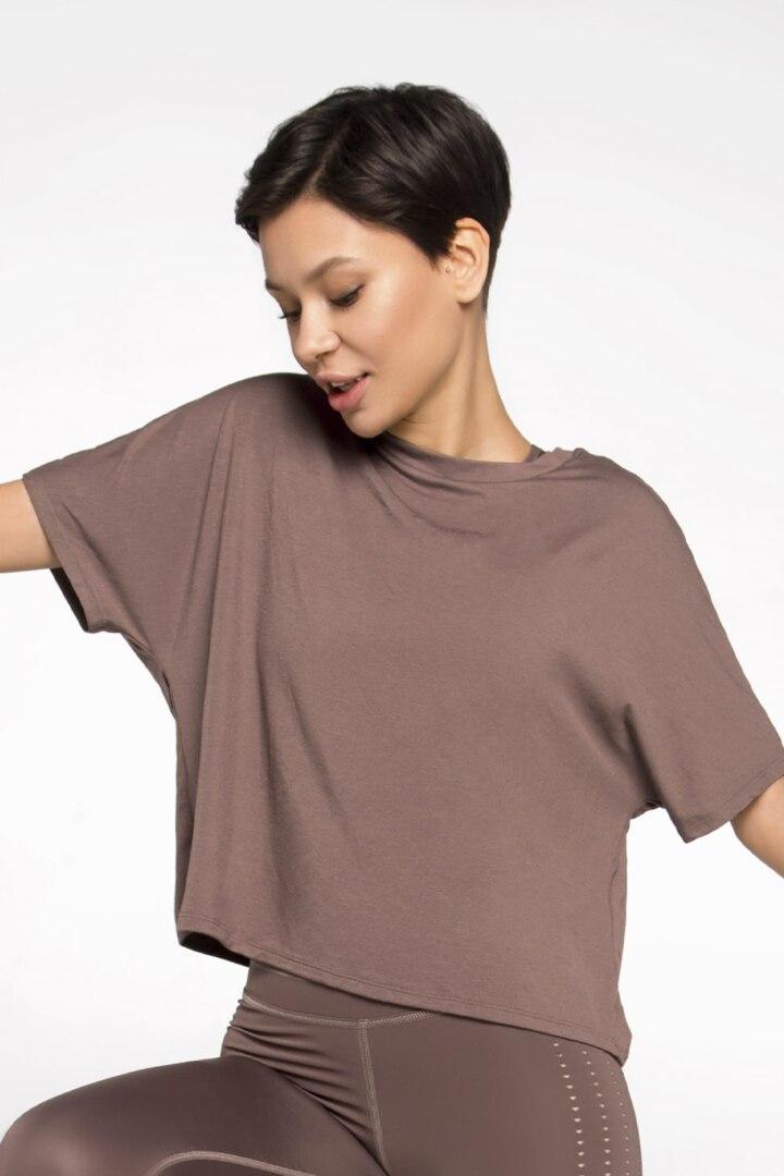 Спортивная футболка стандартной длины из мягкой ткани