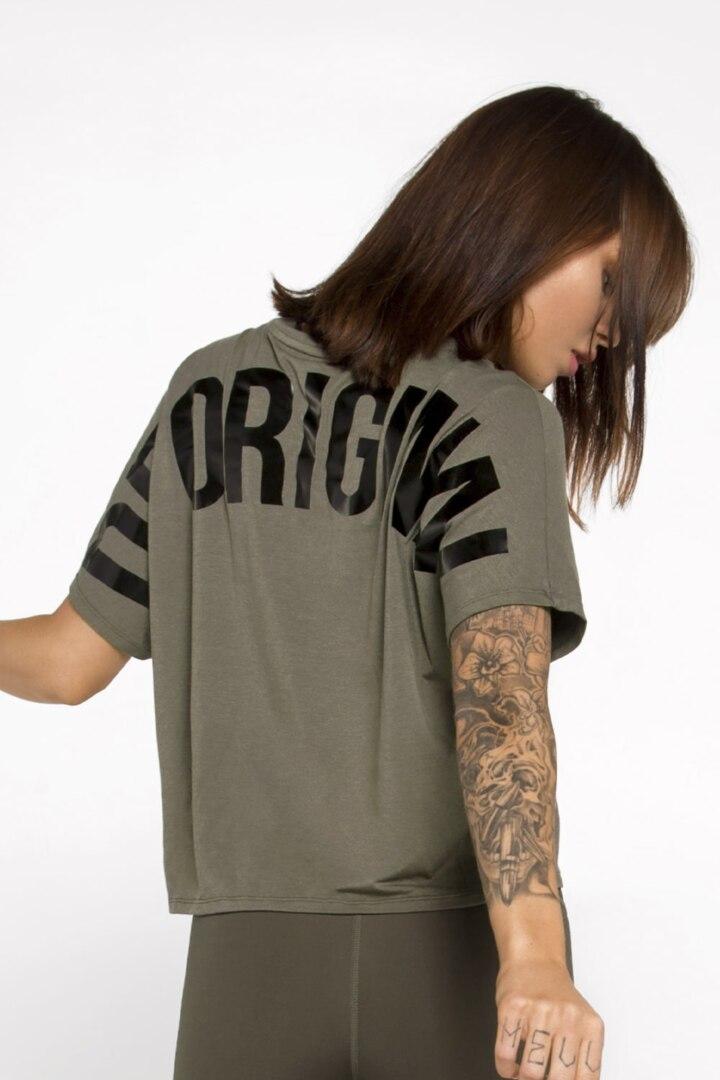 Женская футболка оверсайз из натуральной ткани