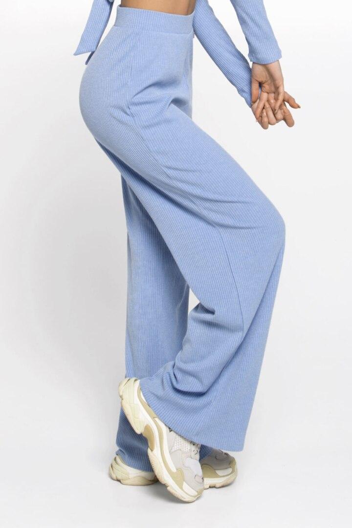 Спортивные штаны из мягкой ткани