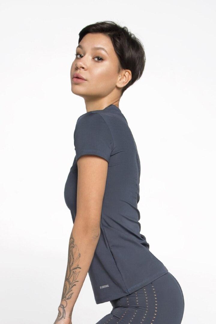 Женская футболка облегающий крой