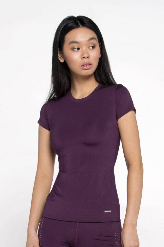 Женская футболка тренд сезона