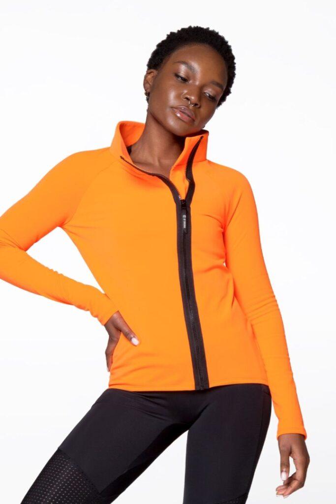 Женская теплая куртка для спорта